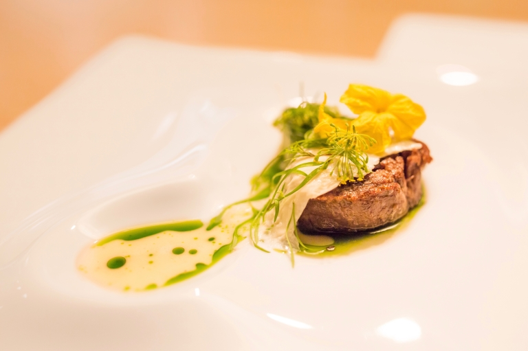 minibar-18-lamb-shoulder-with-whey-and-dill