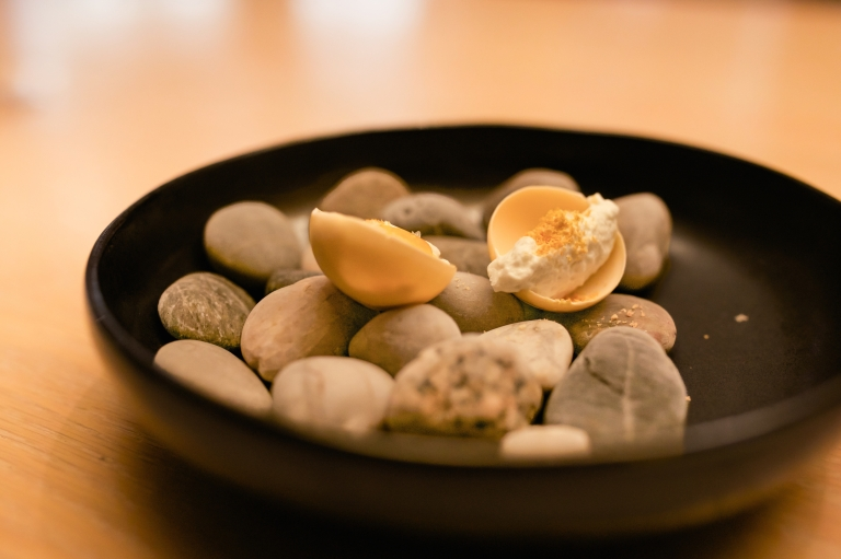 minibar-7-almond-tart-blue-cheese-filling